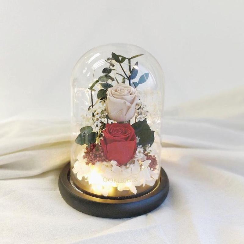 Preserved flower dome - Love Endures Forever